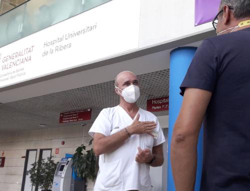 Intérprete de la lengua de signos en el Hospital de Alzira
