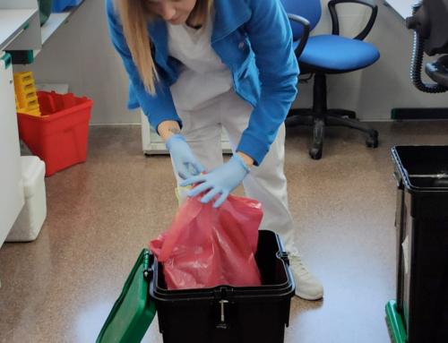 El Hospital de la Ribera ha ahorrado ya más de 35.000 euros con la implantación de contenedores reutilizables para residuos sanitarios